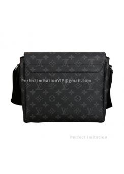 Louis Vuitton District PM M44000