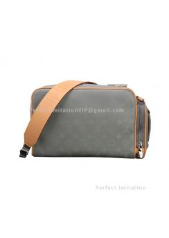 Louis Vuitton Camera Bag M43884