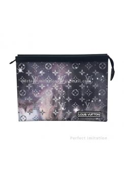 Louis Vuitton Pochette Voyage MM M44448