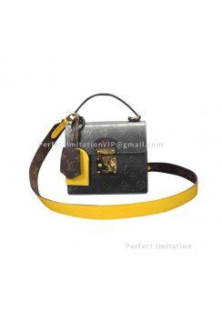 Louis Vuitton Spring Street M90376
