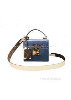 Louis Vuitton Spring Street M90373