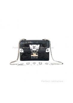 Louis Vuitton LV Wynwood M90445